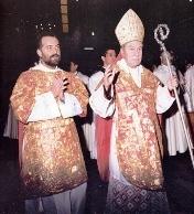 Cardinale Salvatore De Giorgi ha celebrato un solenne pontificale per solennizzare il quarantesimo anniversario della consacrazione episcopale dell'Arcivescovo Emerito di Palermo il Cardinal Salvatore Pappalardo.