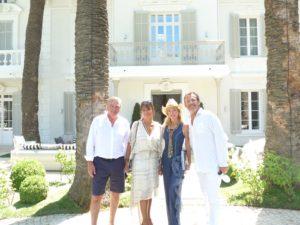 Le Loro Altezze Reali i Principi Carlo e Camilla di Borbone delle Due Sicilie in compagnia del famoso presentatore Jean-Luc Reichmann e la consorte