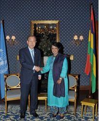 S.E. il Segretario Generale delle Nazioni Unite, Ban Ki-moon assieme al Presidente delle Mauritius Ameenah Gurib-Fakim
