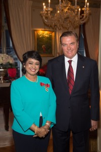 Exclusif - No Tabloids - Ameenah Gurib-Fakim (présidente de la République de Maurice) et Charles de Bourbon des Deux Siciles - Remise de décoration de Grande Croix de L'Ordre royal de François Ier à la présidente de la République de Maurice, Ameenah Gurib-Fakim à Paris le 28 mars 2016. Exclusive - For Germany call for price - Ameenah Gurib-Fakim, president of the Republic of Mauritius receives the Grand Cross of the Royal Order of Francis I in Paris, France on march 28, 2016.