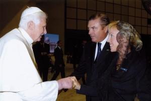 3_LL.AA.RR._i-Duchi_di_Castro_con_S.S._Papa_Benedetto_XVI
