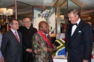 Conferimento_Gran_Croce_Francesco_I_all'Arcivescovo_Desmond_Tutu