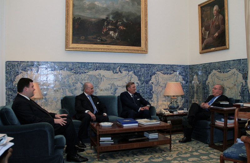 Duke of Castro received by Portuguese Foreign Minister