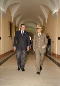 Il Col. Bernardo Barbarotto, Com della Nunziatella e S.A.R. il Duca di Castro