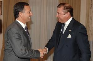 S.A.R._Gran_Maestro_con_Ministro_Esteri_Frattini