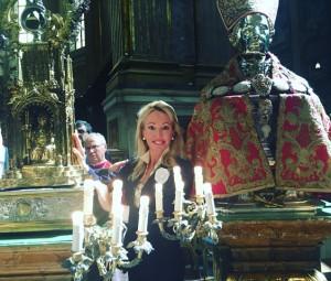 sua-altezza-reale-la-principessa-camilla-di-borbone-delle-due-sicilie-presso-il-duomo-durante-il-miracolo-di-san-gennaro